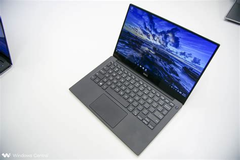 Dell XPS 13: Do I get the QHD+ or Full HD display