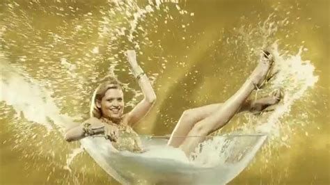 Comercial Lady Million Eau My Gold! Paco Rabanne - YouTube