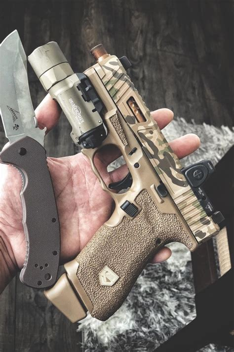 25 Custom Glocks That Are Modded To The Max - Deluxe Timber